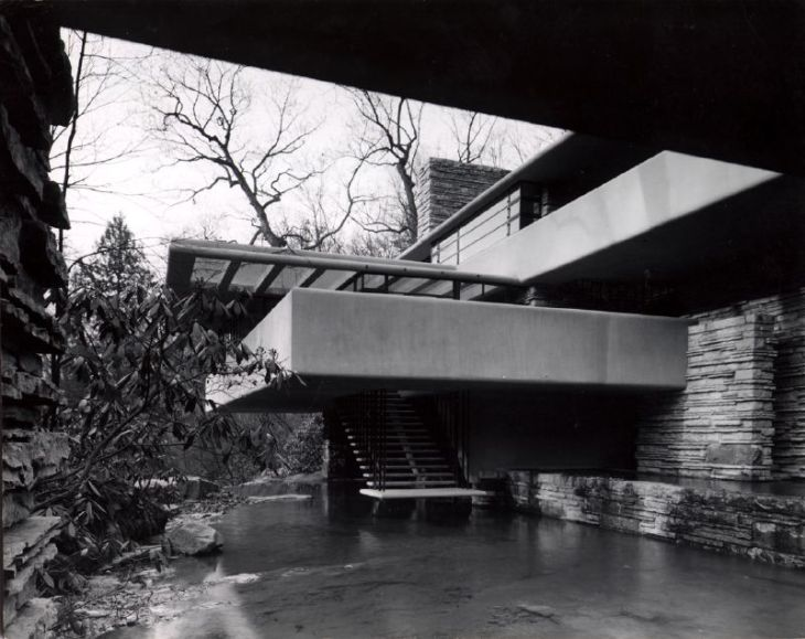 photograph-of-fallingwater-by-heidrich-blessing-this-photograph-appeared-in-the-january-1938-architectural-forum-issue-that-was-devoted-entirely-to-wrights-new-work1